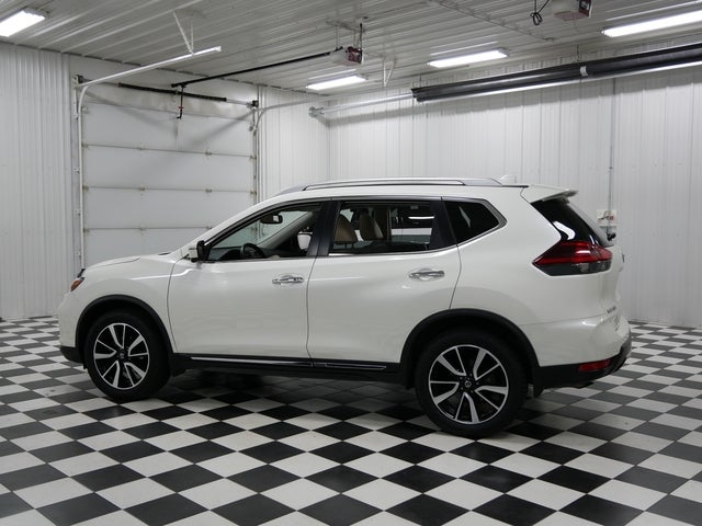 Used 2018 Nissan Rogue SL with VIN JN8AT2MV1JW343013 for sale in Rochester, Minnesota